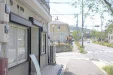 4. Colligaという美容室が左に見えてきますので、そこを左折します。